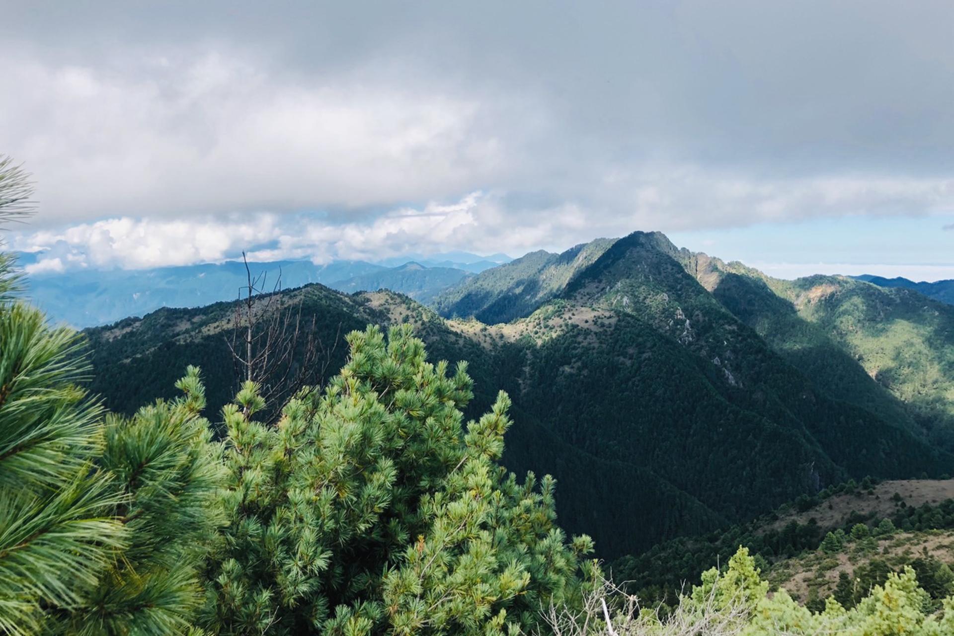 內嶺爾山頂